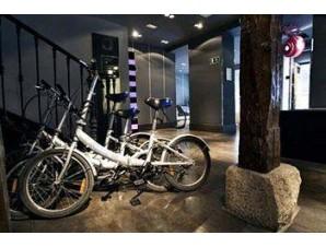 Bicicletas gratis hotel petit palace tres cruces centro madrid