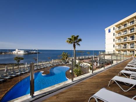 Hotel Marina Luz en Cala Estancia