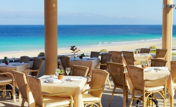 Hotel with restaurante in Jandia Beach